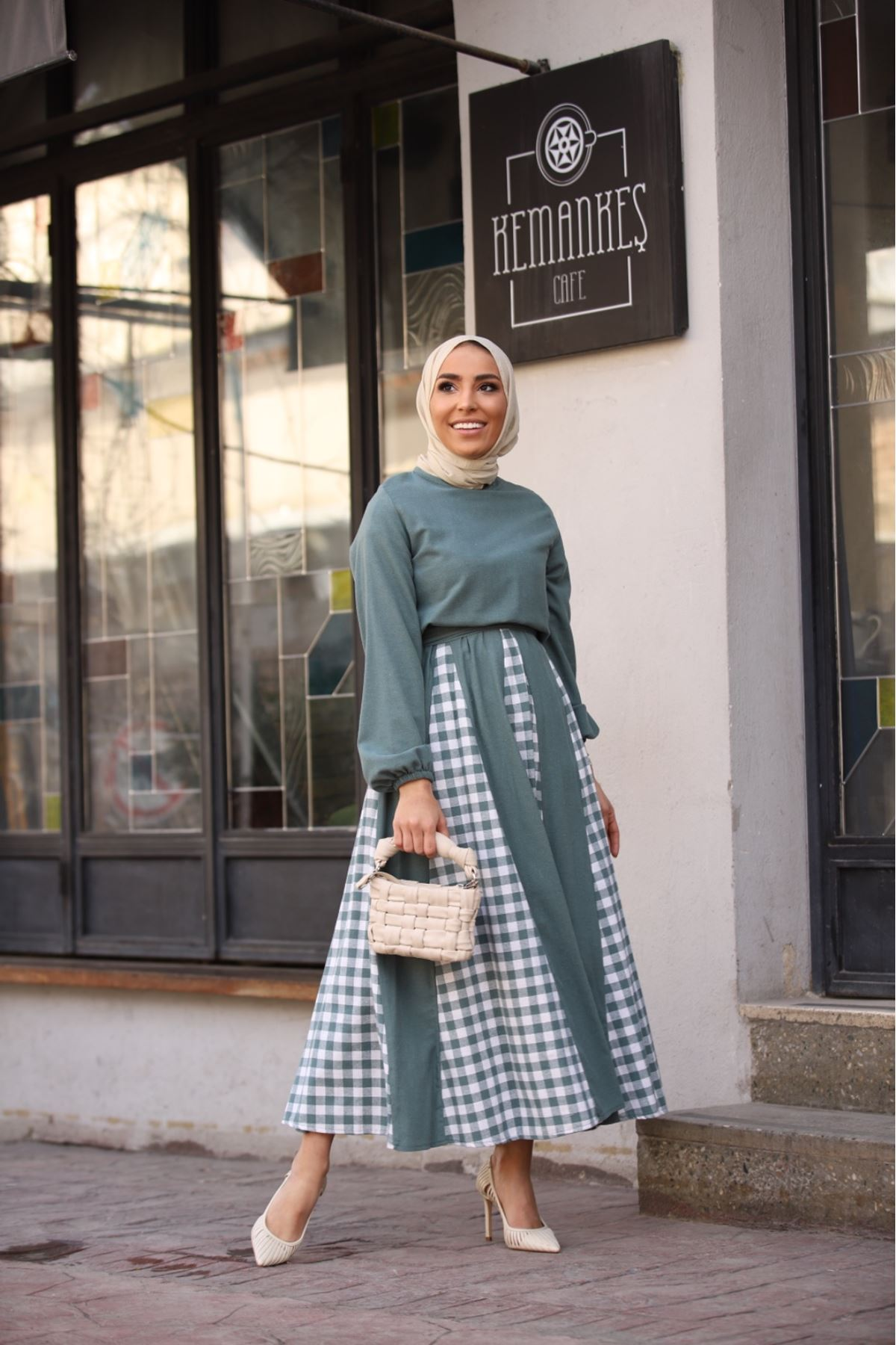 Pitikare detaylı keten elbise - Mint