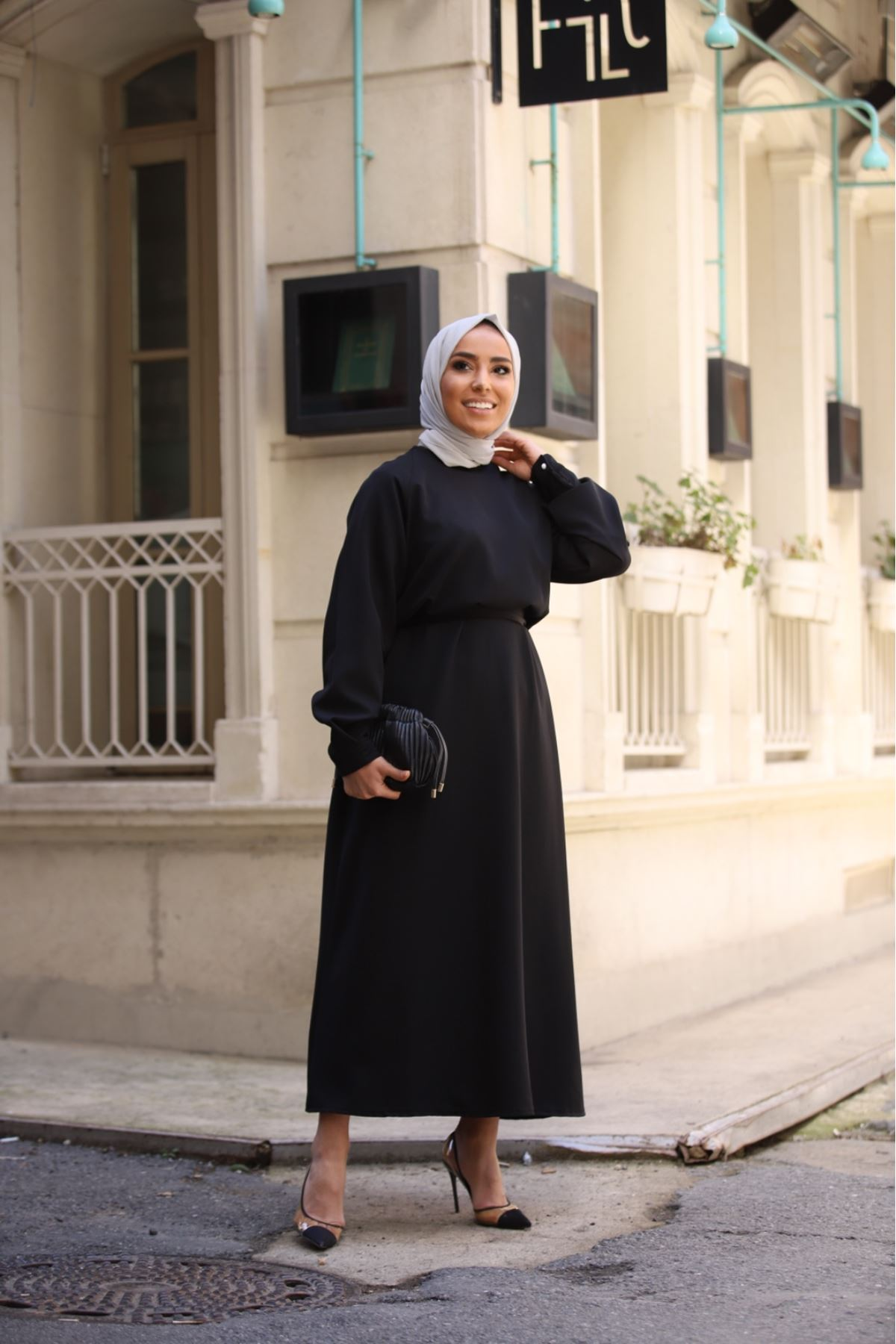 Kemerli düz elbise - Siyah