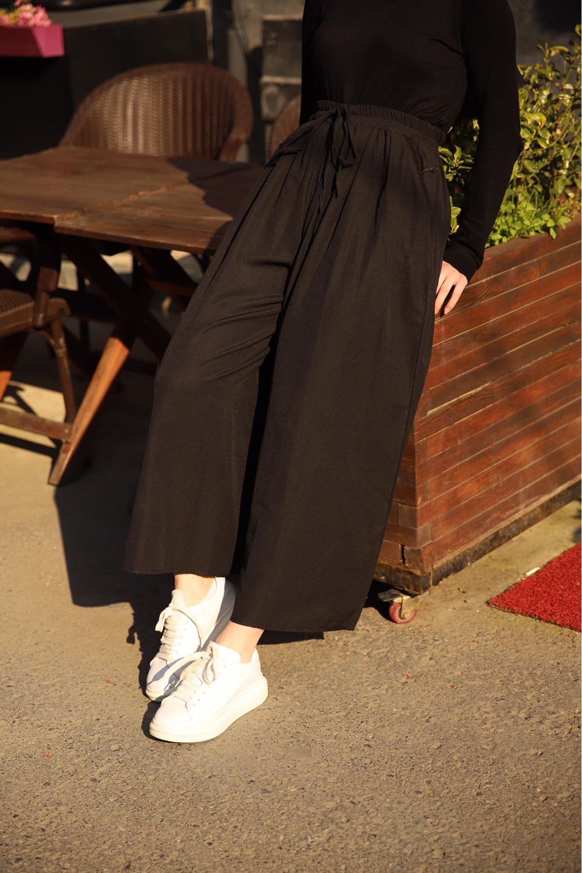 Bol kesim pileli pantolon - Siyah